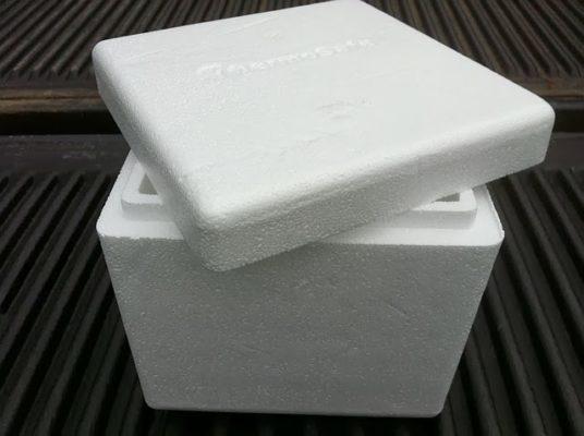 thùng đựng đá co2